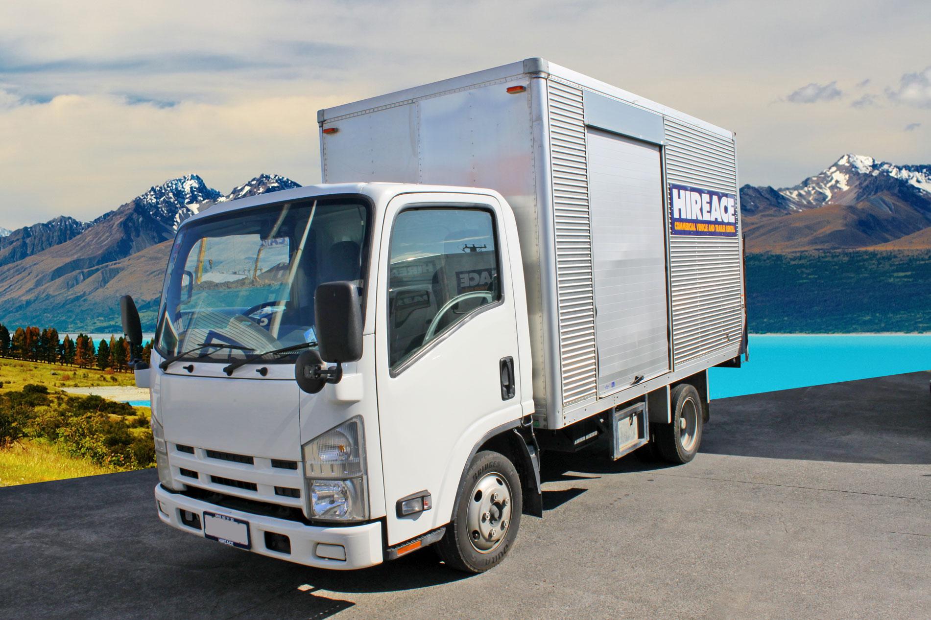 Tail lift furniture truck